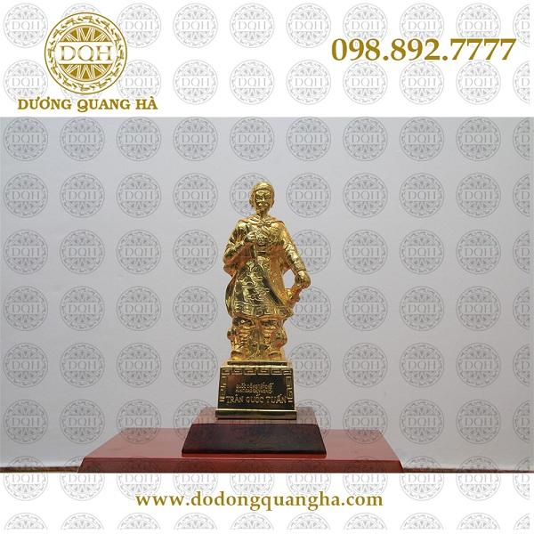 tượng đồng trần hưng đạo dát vàng