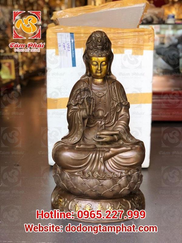 Tượng đồng Quan Thế Âm Bồ Tát được sử dụng rộng rãi ở các chùa, điện thờ Phật đầy tôn kính, linh thiêng