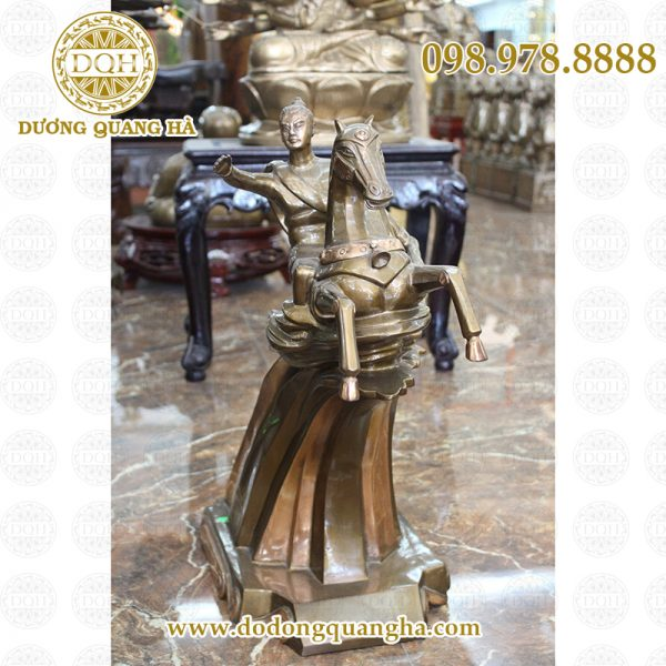 Tượng Thánh Gióng bằng đồng - mạnh mẽ, tinh xảo và nghệ thuật