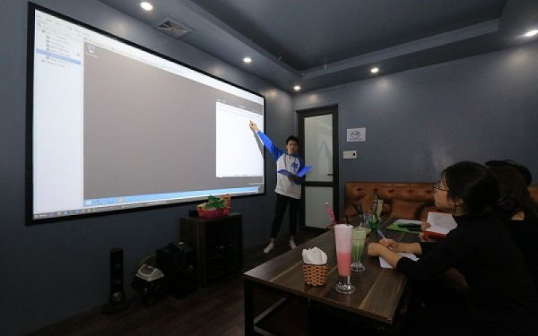 Erato Cafe phim số 8 Trần Vỹ - Không gian phim cực chất, cực ngầu cho giới trẻ Hà thành
