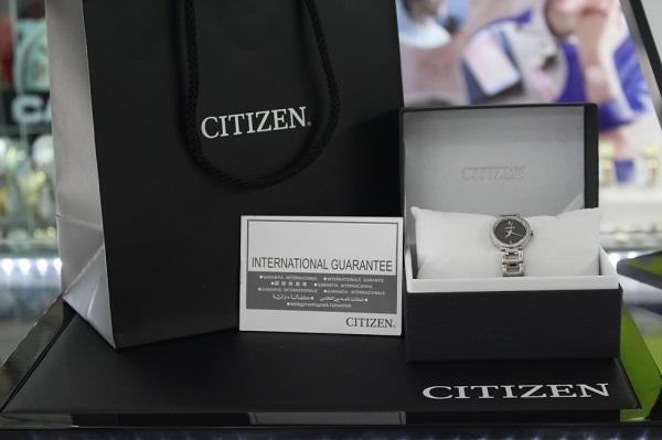 Đồng hồ Citizen EX0330-56E chinh phục các cô nàng với vẻ đẹp ấn tượng