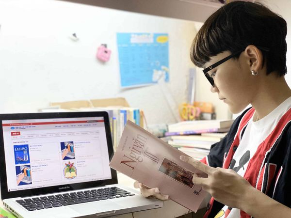 Học trực tuyến,  kết nối trực tuyến giữa nhà trường và phụ huynh trong mùa dịch