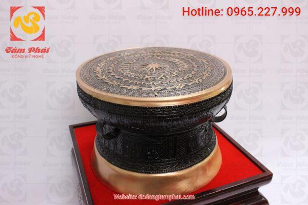 Trống đồng được coi là đỉnh cao văn minh của thời đại Hùng Vương và có ý nghĩa rất lớn đối với người dân Việt Nam