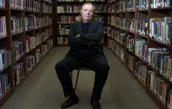 Nhà văn Mỹ quyên góp 1,25 triệu USD cho thư viện lớp học