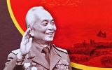 Dâng lên bức tượng đồng Bác Giáp - tưởng nhớ cố Đại tướng lỗi lạc của dân tộc trong đại lễ 30/4