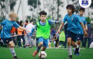 Ngày càng nhiều em nhỏ tham gia vào các lớp học bóng đá trẻ em tại Hà Nội