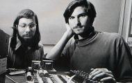 Apple trở thành hãng công nghệ đầu tiên cán mốc giá trị nghìn tỷ USD