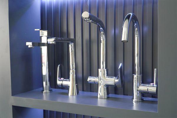 chọn sen vòi phòng tắm